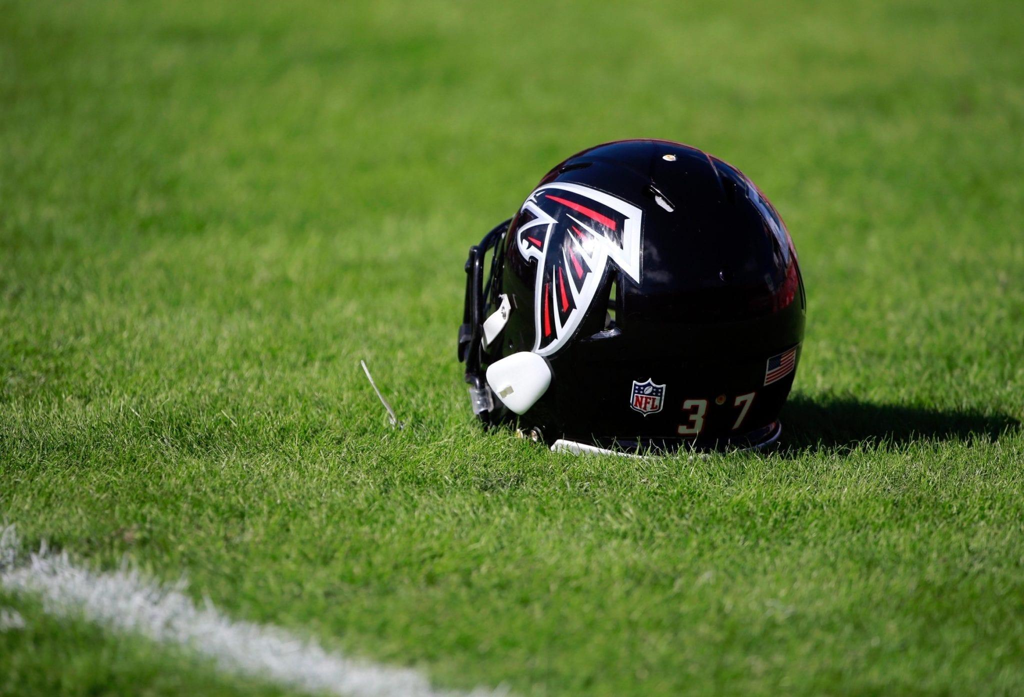 Falcons-helmet