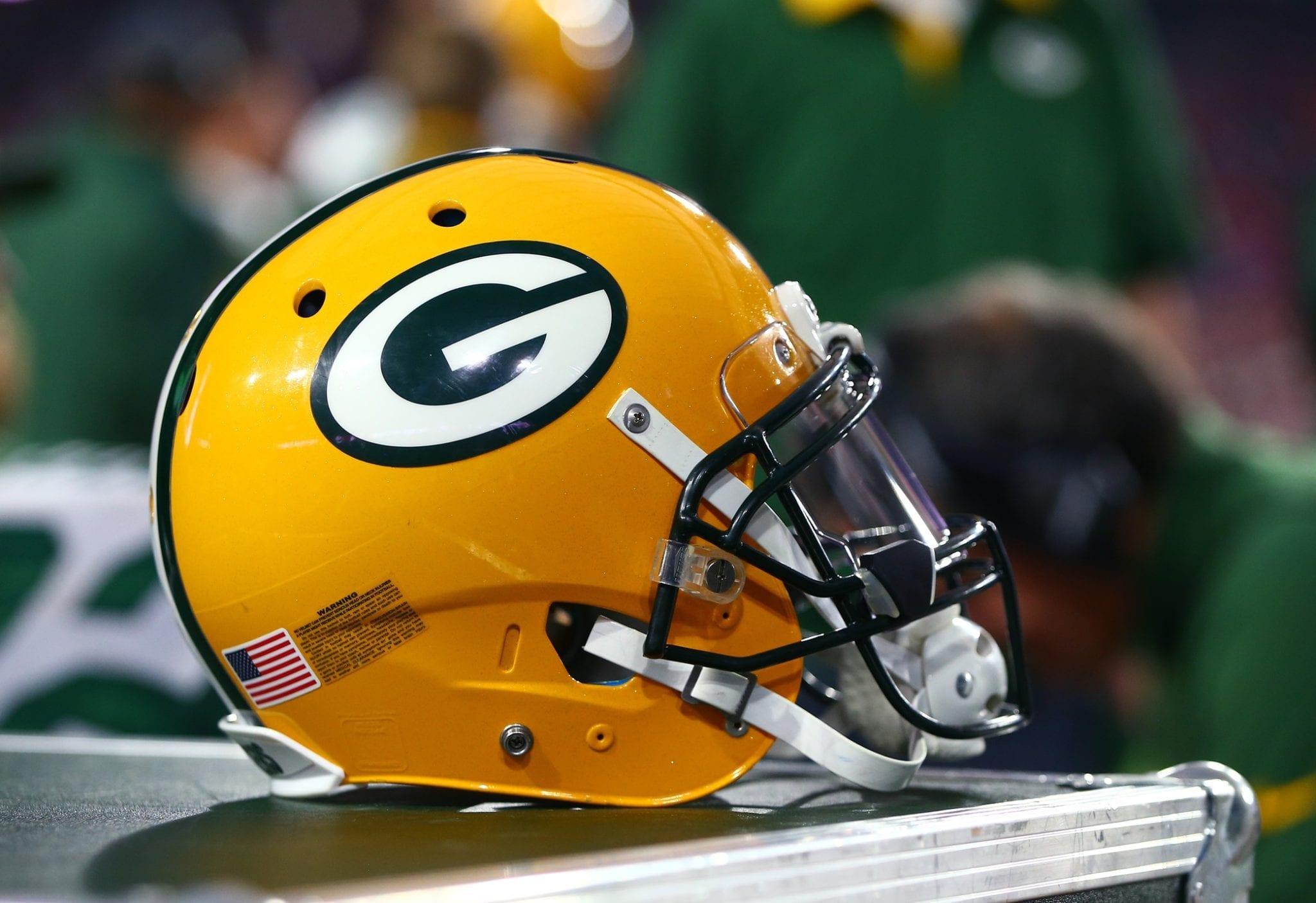 Packers-helmet