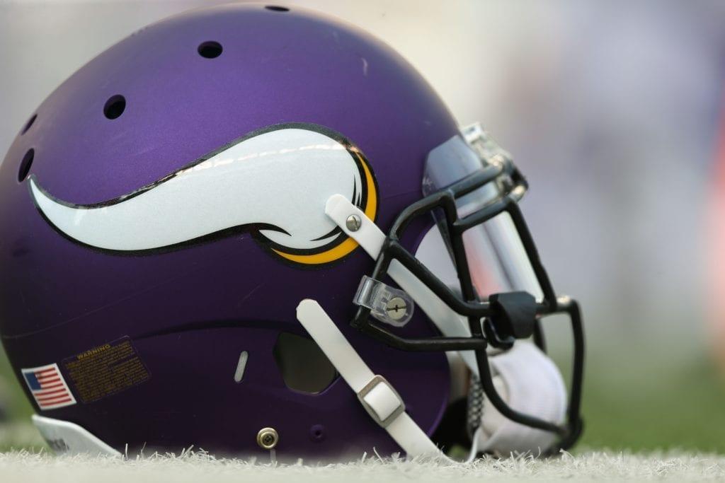Vikings-helmet-1024x683