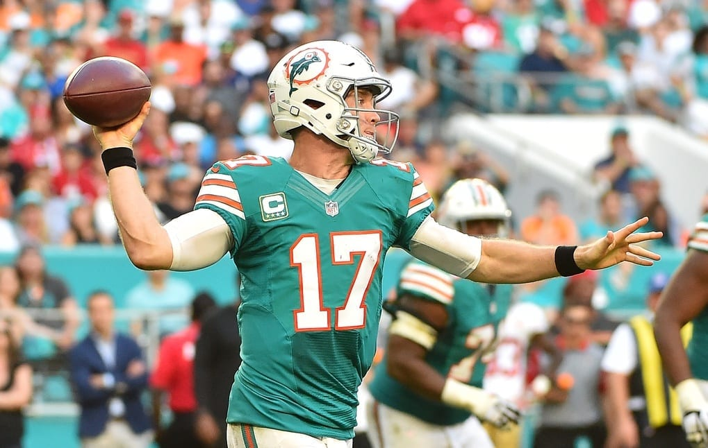 NFL Notes: Trade Deadline, Browns, Dolphins, Patriots ...