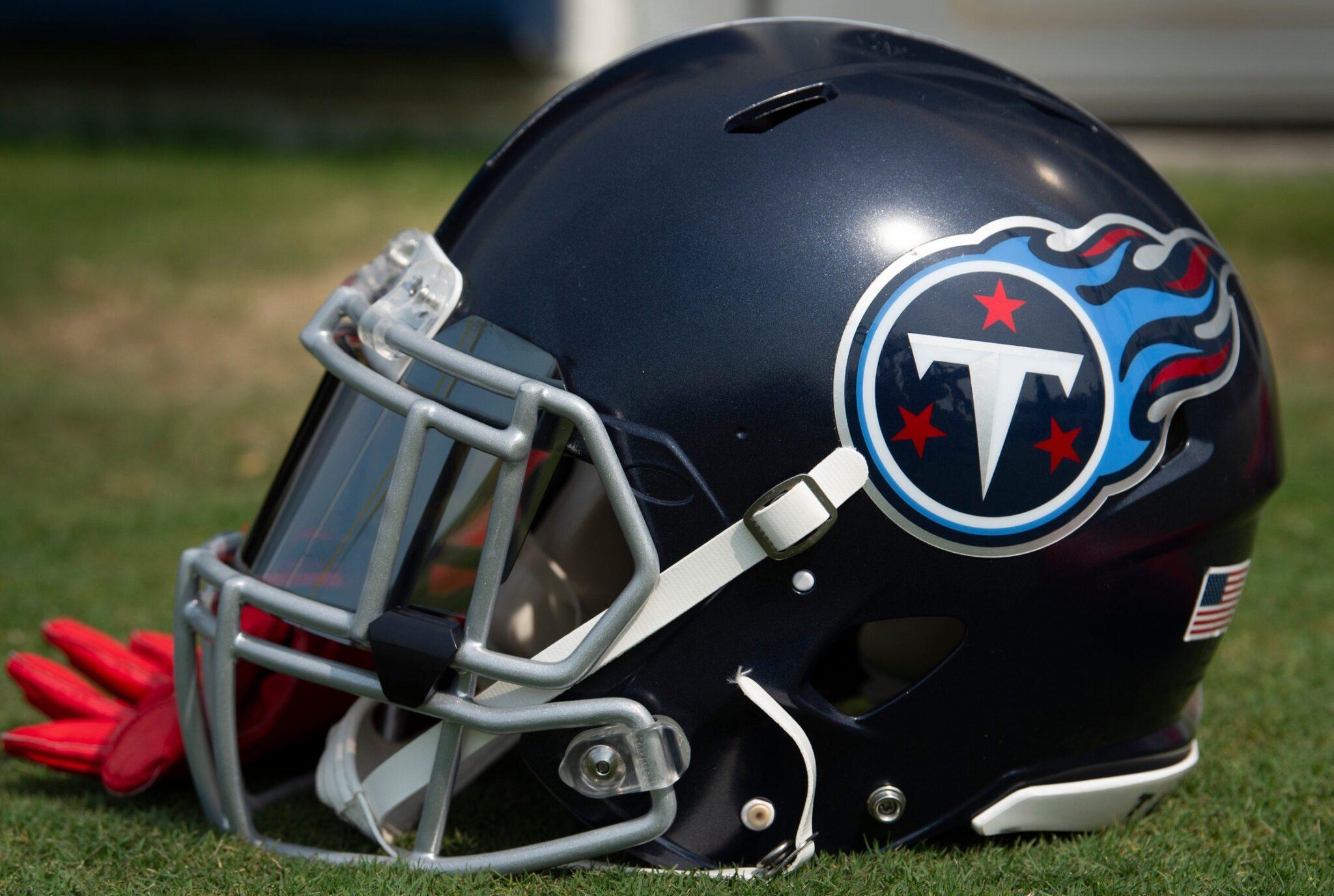 Titans-helmet-15-scaled